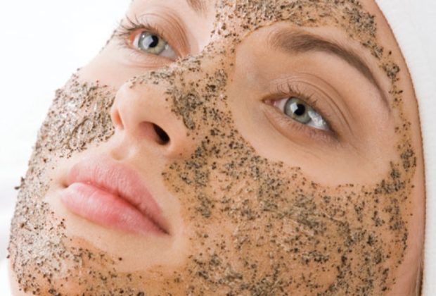 6 Benefits of Facial Scrubs & How to Use Them Right